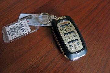 2017 Chrysler Pacifica Hybrid key fob