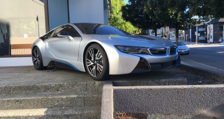 Fake BMW i8