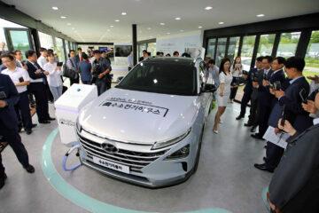 Hyundai hydrogen fuel-cell SUV