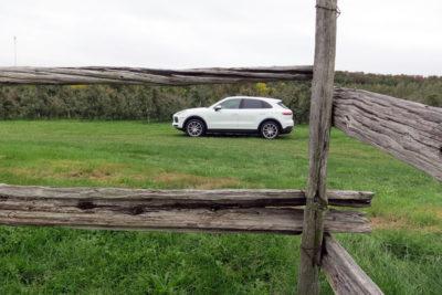 2019 Porsche Cayenne side view