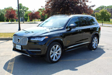 2019 Volvo XC90 T8 Inscription