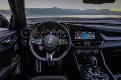 2020 Alfa Romeo Giulia dash