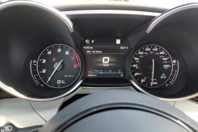 2020-Alfa-Romeo-Giulia-Quadrifoglio-dash