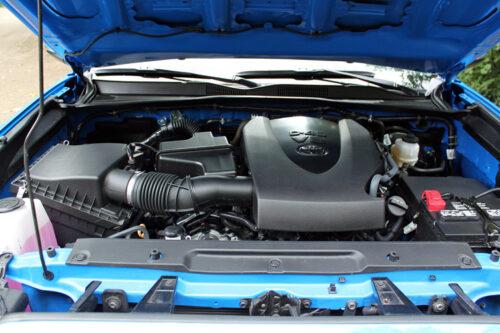 2020 Toyota Tacoma 4x4 Double Cab 6M SB engine