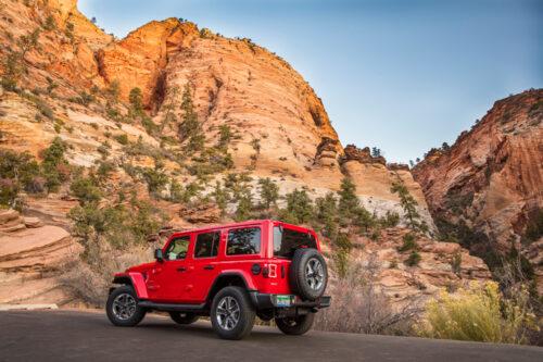 2020-Jeep-Wrangler-Unlimited-Sahara-4X4-3