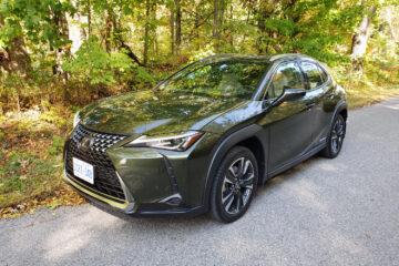 2020-Lexus-UX250h-1