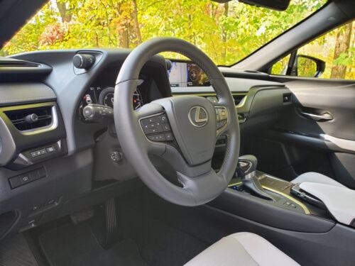 2020-Lexus-UX250h-15