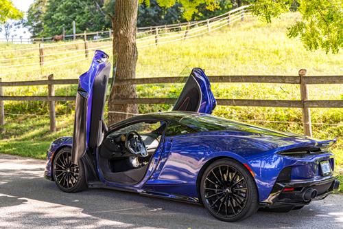 2020-McLaren-570GT-side