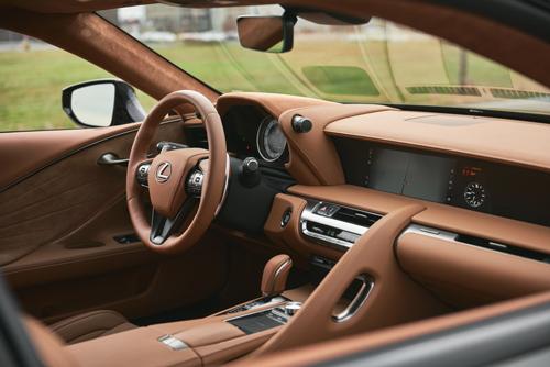 2021-Lexus-LC500-Engine