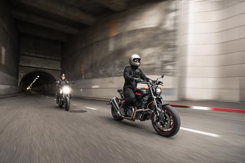 2022-Indian-Motorcycle-FTR-1