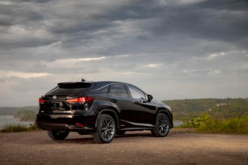 2021-Lexus-RX-450H-rear