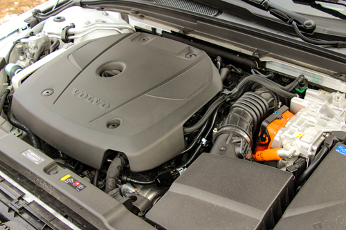 2021-Volvo-V60-T8-eAWD-Inscription-10
