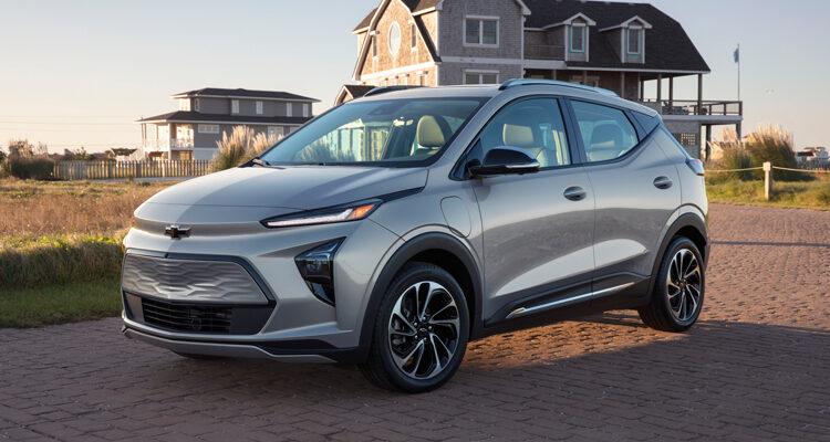 2022-Chevrolet-BoltEUV-1