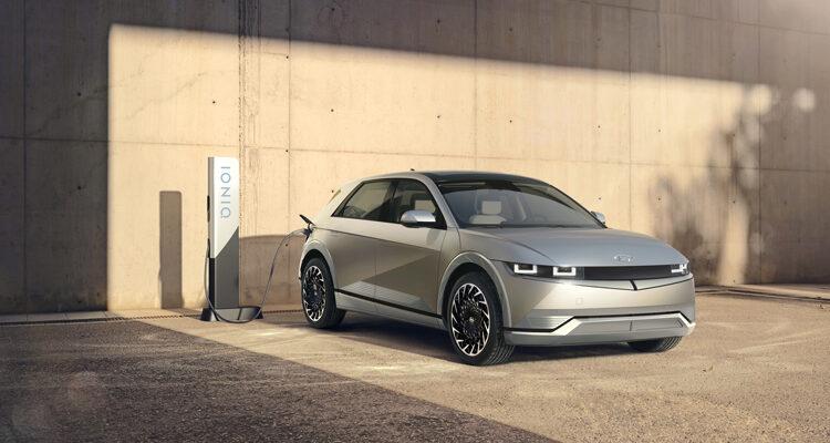 2022-Ioniq-5-rear