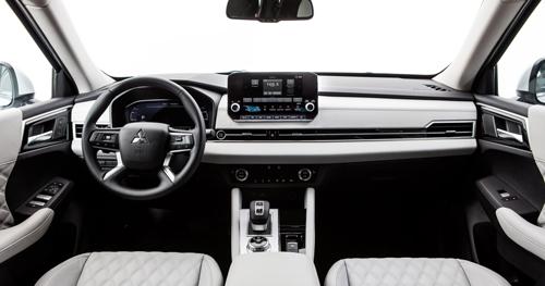 2022-Mitsubishi-Outlander-10