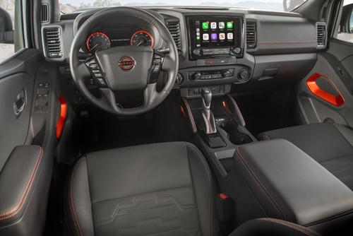 2022-Nissan-Frontier-interior