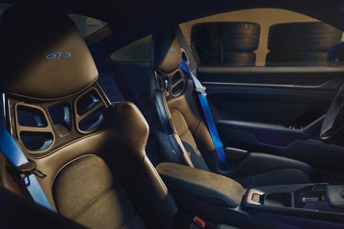 2022-Porsche-911-GT3-3
