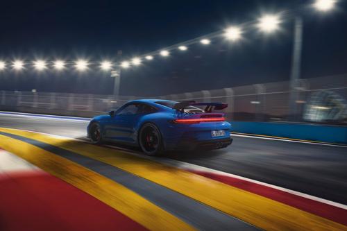 2022-Porsche-911-GT3-8