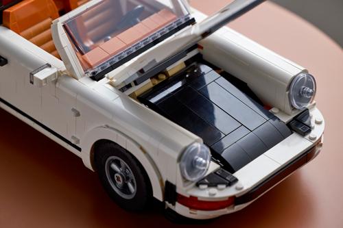 LEGO-Porsche-911