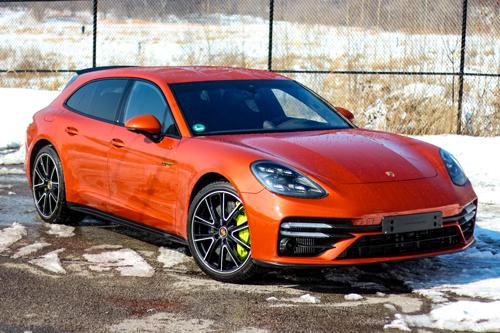2021-Porsche-Panamera-Turbo-S-eHybrid-Sport-Turismo-2