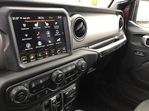 2021-Jeep-Wrangler-80th-infotainment