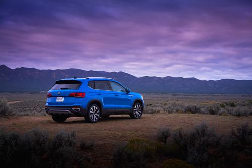 2022-VW-Taos-2