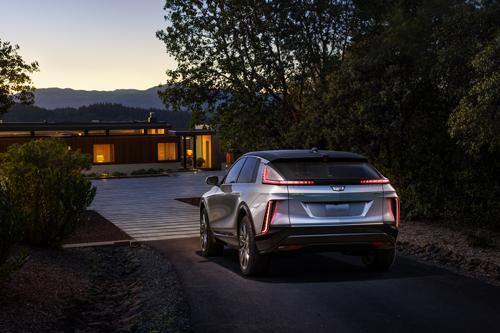 2023-Cadillac-LYRIQ-rear