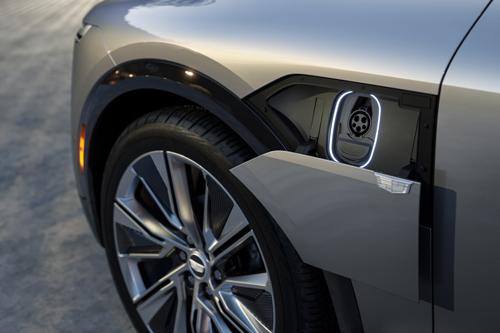2023-Cadillac-LYRIQ-charge-port