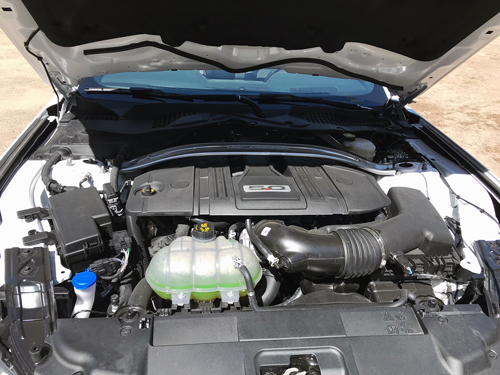 2021-Ford-Mustang-GT-Convertible-engine