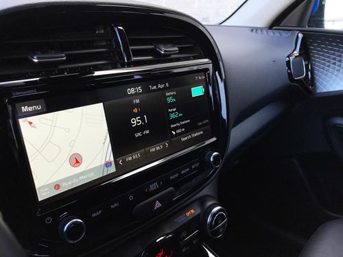 2021-Kia-Soul-EV-Limited-interior-15