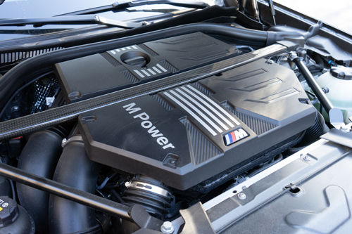 2021_BMW_X4M_Competition-engine