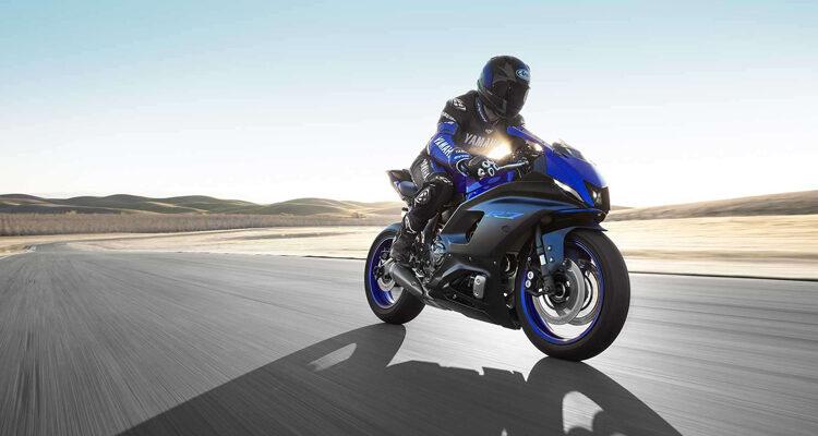 2022-Yamaha-YZF-R7-side