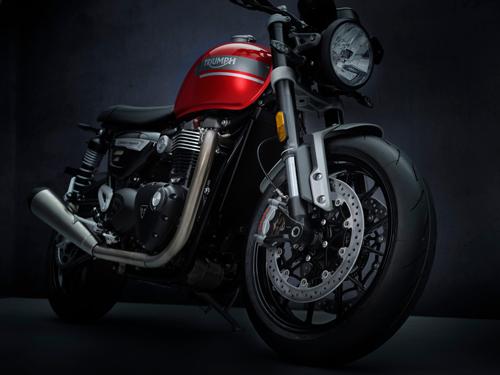 2021-Triumph-Speed-Twin-4
