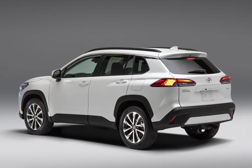 2022-Toyota-Corolla-Cross-2