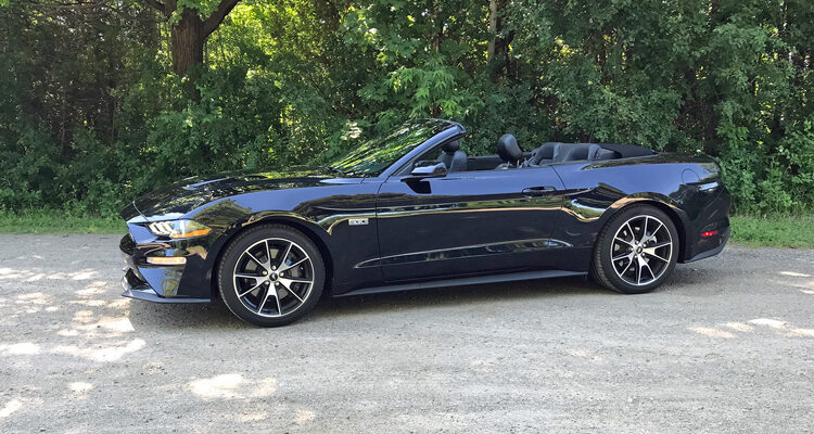 2021-Ford-Mustang-EcoBoost-Convertible