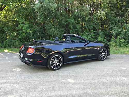2021-Ford-Mustang-EcoBoost-Convertible-2