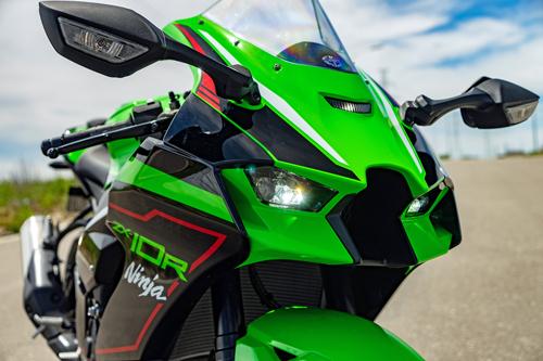 2021-Kawasaki-Ninja-ZX10R-8