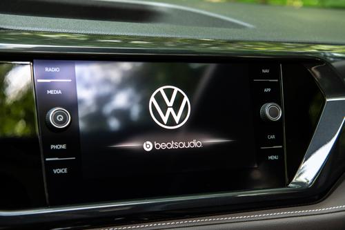 2022-Volkswagen-Taos-10