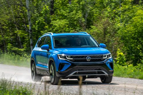 2022-Volkswagen-Taos-14