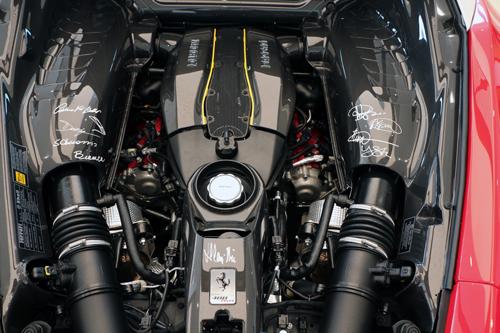 Ferrari-Pista-1