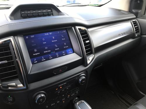 2021-Ford-Ranger-Tremor-interior-21