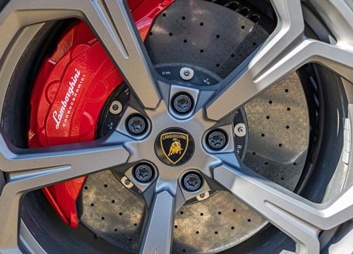 2021-Lamborghini-Urus-8b