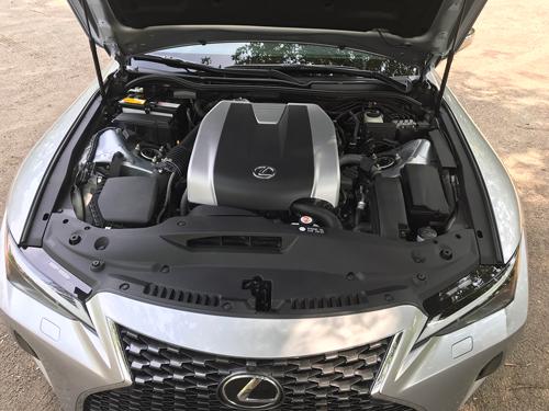 2021-Lexus-IS-300-engine