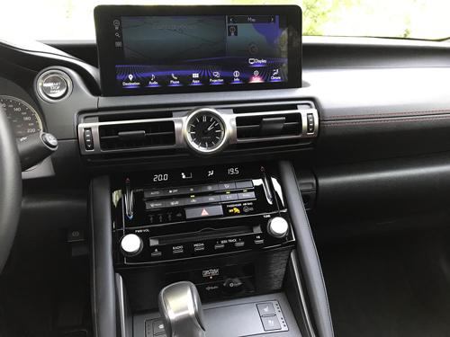 2021-Lexus-IS-300-interior-16