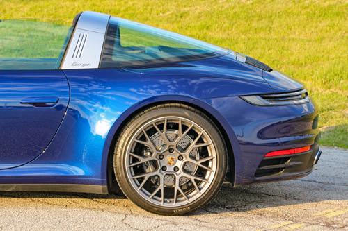 2021-Porsche-911-Targa4