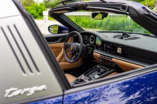 2021-Porsche-911-Targa4-9