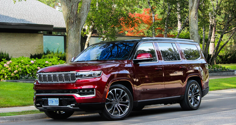 2022-Jeep-Grand-Wagoneer-1