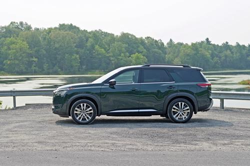2022-Nissan-Pathfinder-8