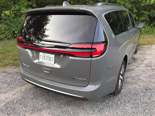 2021-Chrysler-Pacifica-Hybrid-rear