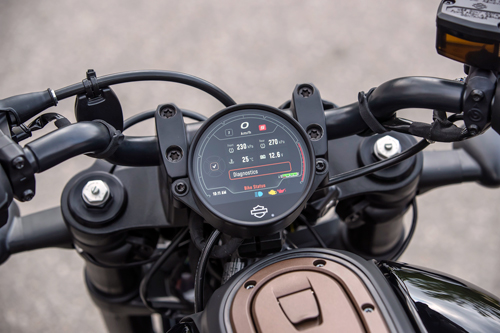 2021-Harley-Davidson-Sportster-S-dash-2